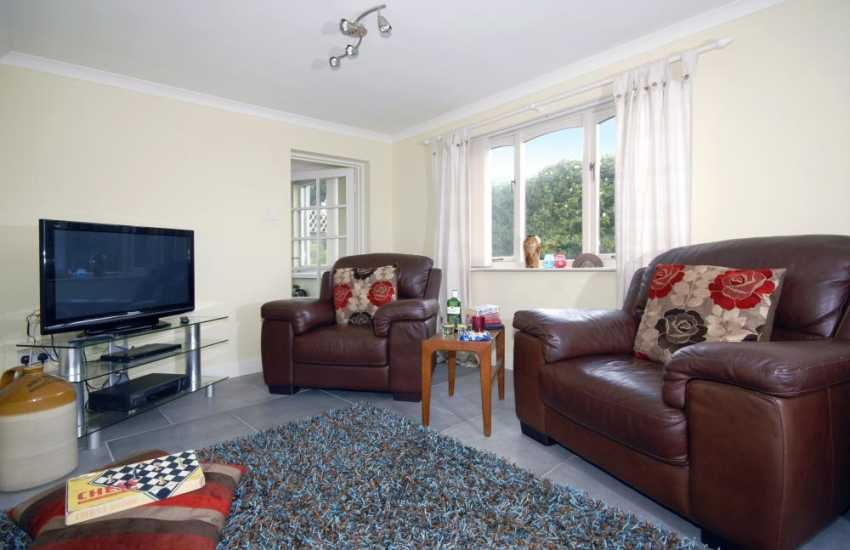 South Pembrokeshire coastal holiday home - lounge with 42