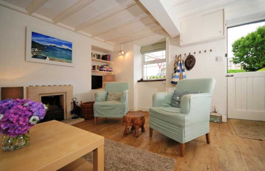 Morfa Nefyn holiday cottage 2 min from the sea - lounge