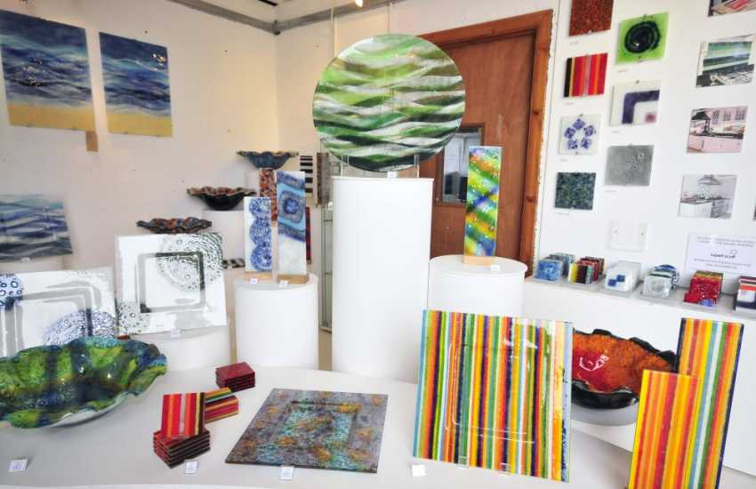 The Steve Robinson Glass Studio in St Davids is a working 'warm glass' studio and gallery well worth a visit