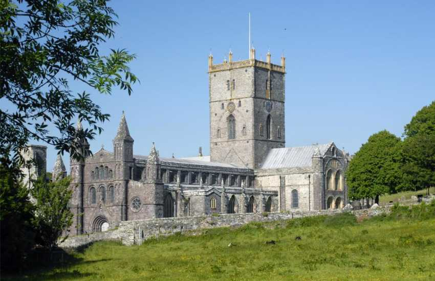 The magnificent Cathedral in St Davids plays host to concerts and music festivals throught the year - a 'must' to visit whilst on holiday