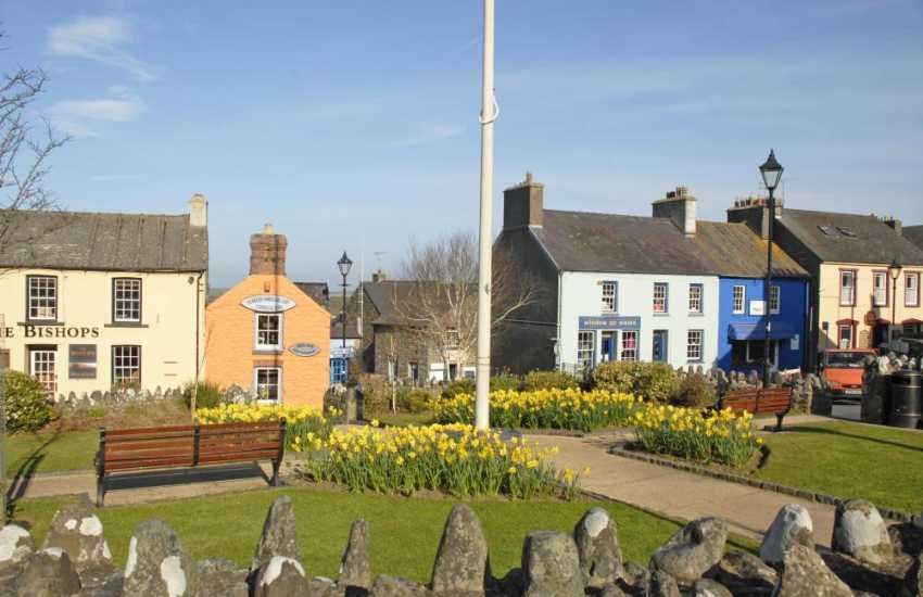 St Davids has a wide range of pubs, restaurants, cafes, galleries, individual boutiques, art and craft shops to choose from