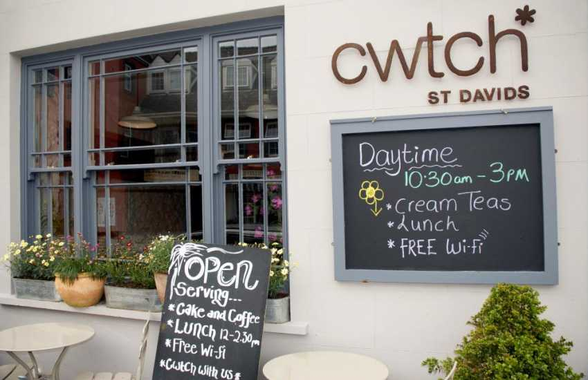 Award winning 'Cwtch' restaurant in St Davids is an ideal choice for that special occasion in a warm relaxed atmosphere