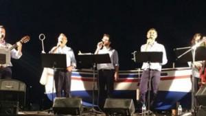 Nova cantada d'havaneres a Cala Montgó