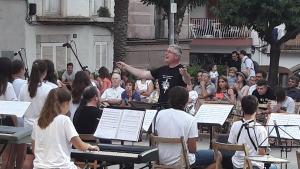Concert dels alumnes del gavià a la Plaça Víctor Català