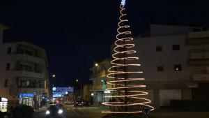 Comença la poda d'hivern i la instal·lació dels llums de Nadal