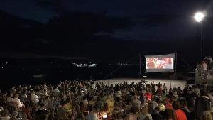 Primera sessió de cinema a la platja