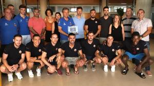 L'Ajuntament fa una recepció en el primer equip del FC l'Escala