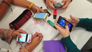 L'Insitut limita els mòbils als alumnes