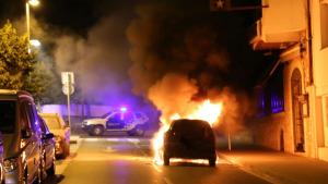 Es crema un cotxe a Ronda Pedró