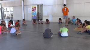 Més de 400 nens i joves inicien els casals i campus de l'Escala