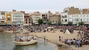 Molt públic segueix la Festa de la Sal