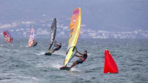 Primer eslàlom puntuable al Mundial de Windsurf