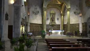 Aillada  una part de l'església per problemes al sostre