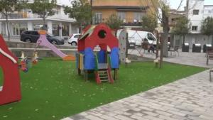 Obert al públic el parc de la Plaça de les Escoles