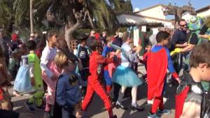 L'Escola Esculapi celebra el dijous de carnaval