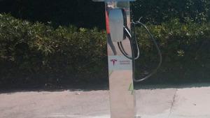 El Govern instal·larà punts de recàrrega de vehicles un a l'Escala