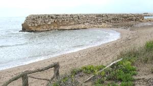 Recta final dels treballs d'urgència a les restes del port d'Empúries