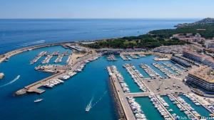L'espigó del port serà visitable a finals de mes
