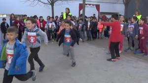 La cursa solidària de l'Escola Empúries recapta més de 2400 euros