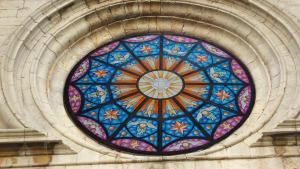 Restauren la rosassa de l'església