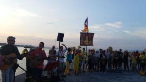 Jordi Sánchez participa per telèfon a la cantada de la Coral Groga