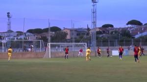 Derrota molt ajustada del FC L'Escala davant el Barça Juvenil