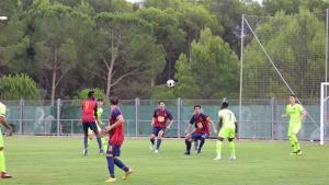 El FC l'Escala perd contra el Barça B