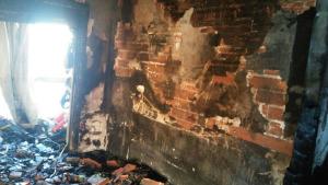 Un mort en un incendi en un edifici del carrer Tramuntana