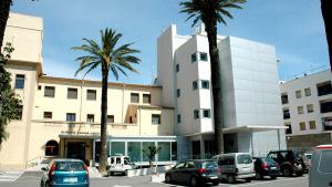 La FSE trasllada pacients a la Clínica de la Santa Creu