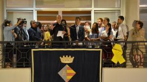 Tomàs Molina omple la plaça de l'Ajuntament de l'Escala