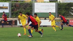 El FC l'Escala s'estrena amb derrota davant la UE Olot per 0 a 3