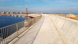 Es dóna per acabat el nou dic de protecció del port pesquer