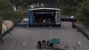La pluja suspèn el concert Ítaca a l'Escala
