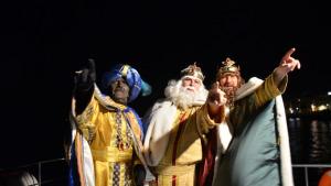 Els Reis Mags arriben per mar a l'Escala