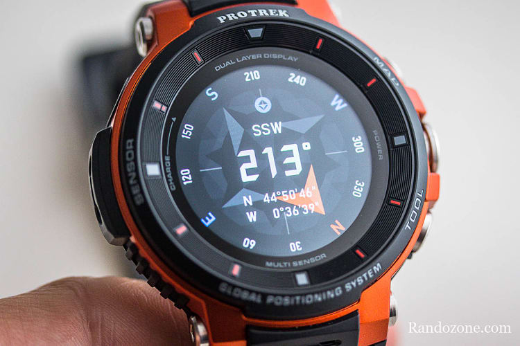 Boussole sur la montre Casio Protrek F30