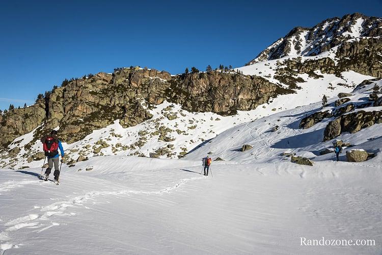 Randonnée dans la neige au lac de Coume Escure