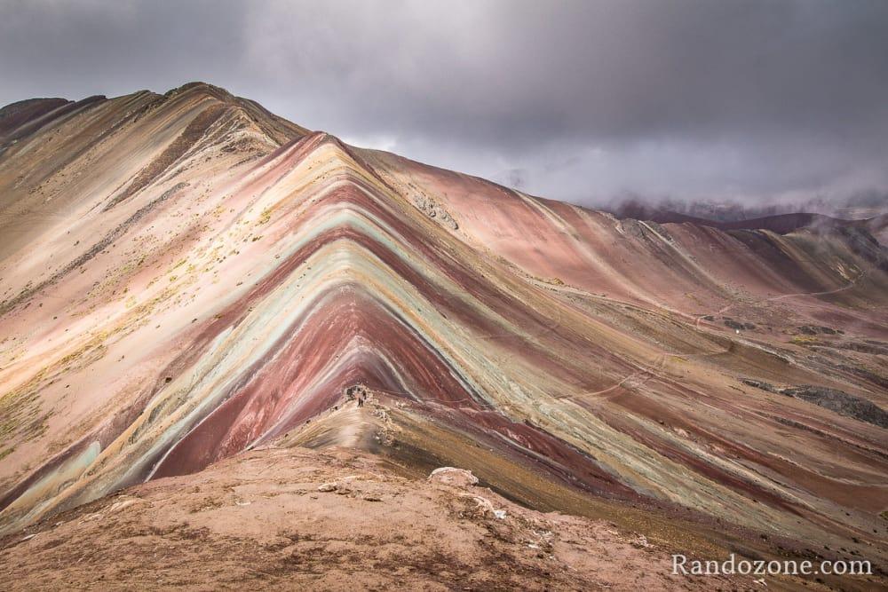 Vinicunca que l'on appelle aussi la « montagne aux sept couleurs » ou « montagne arc-en-ciel »