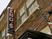 Eno�s Pizza Tavern