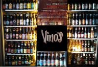 Vino�s Bar and Grill