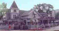 Christie�s Carriage House Pub