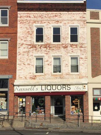 Russell�s Liquors