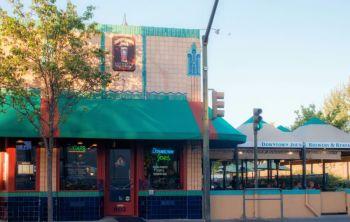 Downtown Joe�s American Bar & Grill
