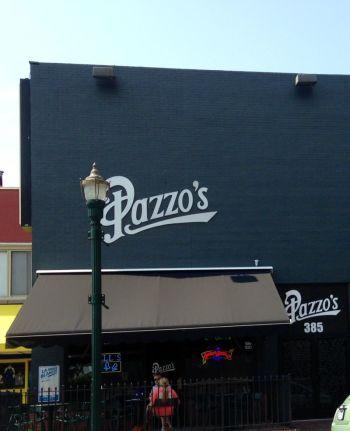 Pazzo�s Pizza Pub