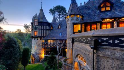 RedBalloon Romantic Castle Escape with Winery Tour