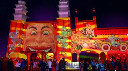RedBalloon Luna Park Rides Pass during Vivid Sydney- Weekday- 106-129cm