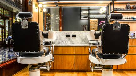 RedBalloon Men's Hot Towel Shave and Hair Cut with Take Home Gift