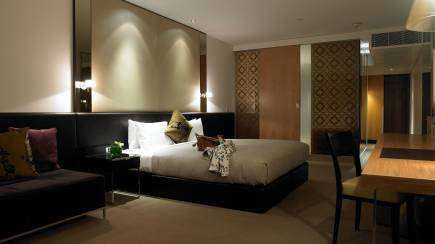 RedBalloon Luxurious City Break with Sparkling and Breakfast - For 2