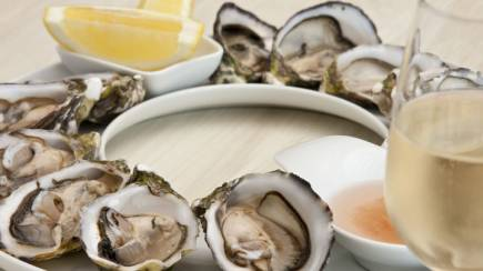 RedBalloon Indulgent Oysters and Sparkling Wine - For 2
