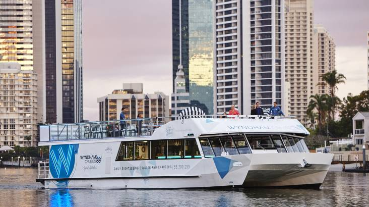 RedBalloon Gold Coast Sightseeing Cruise with 3 Course Dinner