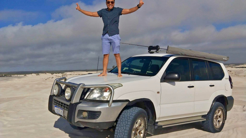 RedBalloon 4WD Adventure to Pinnacles with Beach Fishing - Full Day